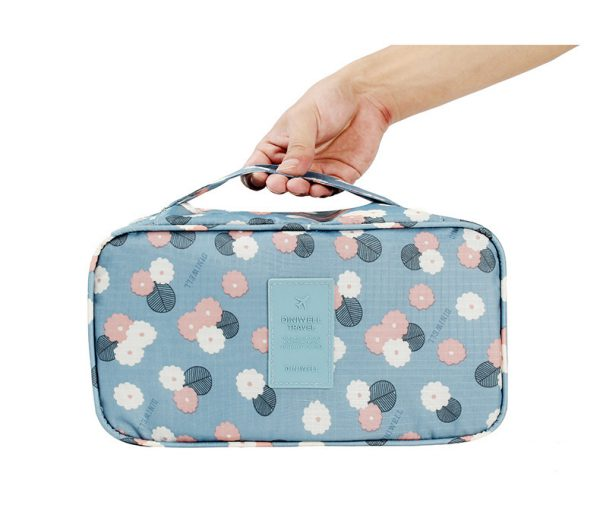 underwear-travel-bag-light-blue