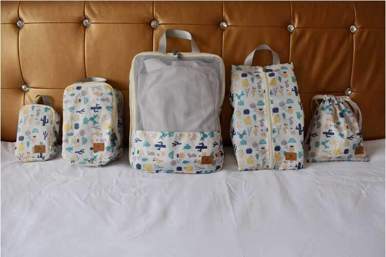 five sizes of suitcase storing pouch
